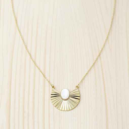 collier nacre blanche